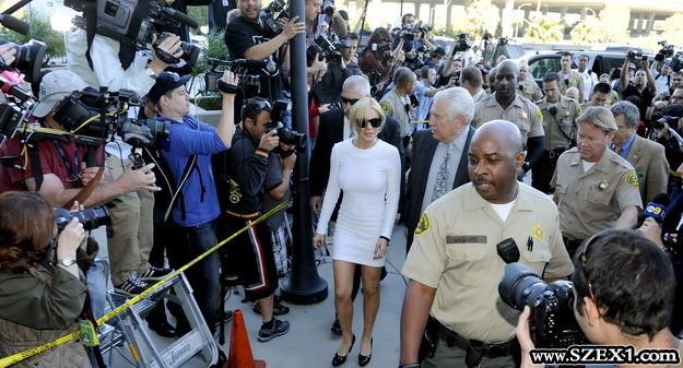 Lindsay Lohan csak botrányokkal tud élni
