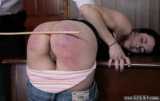 75 kegyetlen vesszőcsapás rossz lány seggére
